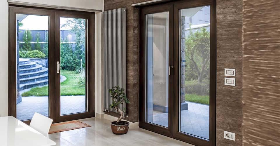 Infissi in alluminio alluminvetro infissi e trasparenze moderne infissi alghero - Porte finestre legno ...